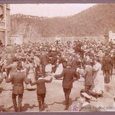 Fotografia antica: VALLVIDRERA, BARCELONA. CASA VILAJOANA.APLEC SARDANISTA. AÑO 1912. Lote 11288570
