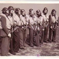 Fotografia antica: 2ª GUERRA MUNDIAL. PILOTOS DE LA RAF. HURRICANE SQUADRON. Lote 11081463