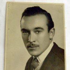 Fotografía antigua: FOTOGRAFÍA RETRATO CABALLERO CON BIGOTE DEL ESTUDIO RUIZ AÑOS 40. Lote 6017548