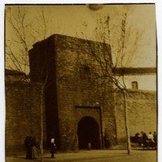 Fotografía antigua: MURALLA. PUERTA DE SANTA MADRONA. BARCELONA. 26/02/1905. Lote 27119932
