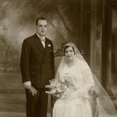 Fotografía antigua: BADALONA. NYSSEN, FOTÓGRAFO. BONITO RETRATO DE BODA. CIRCA 1925. BADALONA.. Lote 27623240