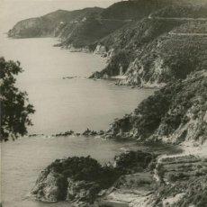 Fotografía antigua: COSTA BRAVA. CANYET, AL FONDO PUNTA DE GIBEROLA, Y COCHE ANTIGUO.GRAN FORMATO. AÑO 1935. . Lote 24684513