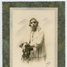 Fotografía antigua: PRIMERA COMUNIÓN. PRECIOSA FOTOGRAFÍA DE NIÑA. F: IDELMON. BURGOS. CIRCA 1935. Lote 21743644