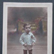 Fotografía antigua: LUMIÈRE ESTUDIO. PRECIOSO RETRATO DE NIÑO, LIGERAMENTE COLOREADO . CIRCA 1930. BARCELONA. Lote 20262934