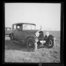 Fotografía antigua: AUTOMOVILISMO. PRECIOSO COCHE Y CONDUCTOR. CIRCA 1935. BARCELONA. Lote 22938650