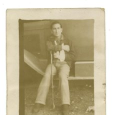 Fotografía antigua: MILITAR. GUERRA CIVIL ESPAÑOLA. ARANDA DE DUERO, AÑO 1937. SOLDADO HERIDO, EN EL HOSPITAL MILITAR.. Lote 20106143