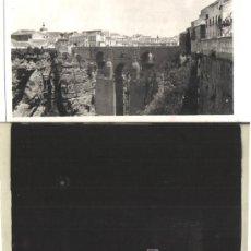 Fotografía antigua: RONDA (MALAGA) NEGATIVO ORIGINAL EN CELULOIDE Y FOTO: PUENTE SOBRE EL TAJO MAYO 1926. Lote 26315635
