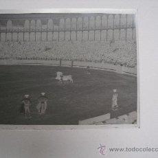 Fotografía antigua: FOTOGRAFIA EN CRISTAL, PLAZA DE TOROS. 12X9 CM. . Lote 15293435
