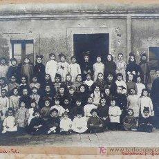 Fotografía antigua: BARCELONA, GRUPO DE ALUMNOS DE UNA ESCUELA. 1915'S. FOTO: OLALDE, CALLE CALABRIA.. Lote 16910535