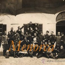 Fotografía antigua: MENORCA - MAHÓN - MILITARES - 1915-1925. Lote 26627819