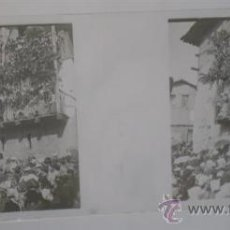 Fotografía antigua: PLACA CRISTAL .. CASERÓN CON MULTITUD DE PERSONAJES. Lote 17308824
