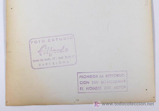 Fotografía antigua: retrato de folklórica, Barcelona 1960. Foto de ALFREDO, Barcelona. 18x24 cm. - Foto 3 - 17437310