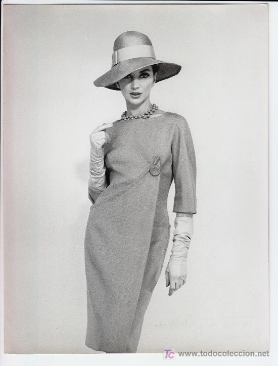 MODA. MODELO PARA VOGUE, FOTO ALFREDO DE MOLLI, 1960. 18X24 CM. (Fotografía Antigua - Gelatinobromuro)
