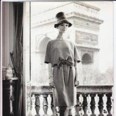 Fotografía antigua: MODA, MODELO PARA VOGUE, FOTO: GEORGE DAMBIER, 1960. 18X24 CM. Lote 18854581
