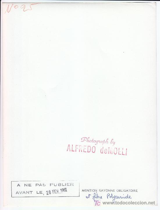 Fotografía antigua: MODA, MODELO PARA VOGUE. FOTO DE ALFREDO DE MOLLI, 1960. 18X24 CM. - Foto 2 - 18854418
