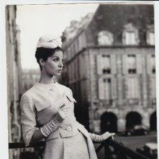 Fotografía antigua: MODA, MODELO PARA VOGUE, FOTO: GEORGE DAMBIER, 1960. 18X24 CM. Lote 18958268