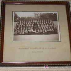 Fotografía antigua: ISLA, CANTABRIA HH CARMELITAS DE LA CARIDAD. CURSO 1940-41 SANTANDER CON EL OBISPO, DISFRACES MÚSICA. Lote 25253055