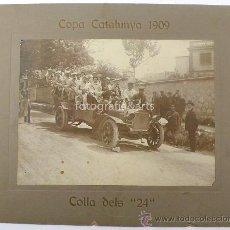 Fotografía antigua: AUTOMOVILISMO, COPA CATALUÑA 1909. COLLA DELS 24. 4 FOTOGRAFIAS 17X22 CM. SOPORTE: 25 X 31 CM. VER. Lote 26517969