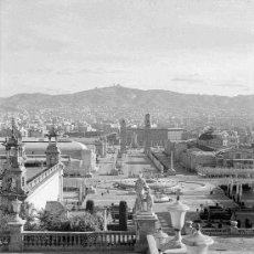 Fotografía antigua: BARCELONA. MONTJUÏC. VISTA DESDE EL PALACIO NACIONAL, ACTUAL MNAC. CIRCA 1930. Lote 23738625