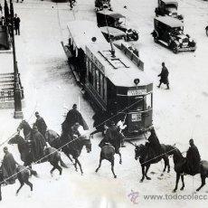 Fotografía antigua: L.R. MARÍN. DISTURBIOS TRAS LAS ELECCIONES EN LA PUERTA DEL SOL MADRID 1931 ORIGINAL DE POCA. Lote 26425253