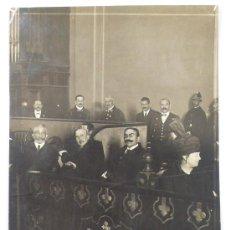 Fotografía antigua: GRUPO DE PERSONALIDADES, GENERAL, SECRETARIO, ETC, VER REVERSO. FOTO: MERLETTI, BARCLEONA.. Lote 23731179