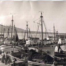 Fotografía antigua: ALTEA (ALICANTE) GRAN FOTOGRAFIA DEL PUERTO, ENERO 1957 . Lote 27028495