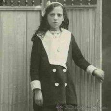 Fotografía antigua: MODERNISMO. EXTRAORDINARIO RETRATO DE UNA NIÑA DE EXPRESIÓN PROFUNDA. FOT. BARCIA. CIRCA 1910.. Lote 27481670