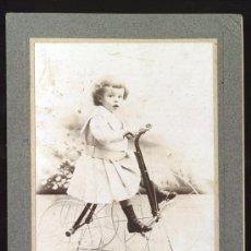 Fotografía antigua: RETRATO DE NIÑO MONTADO SOBRE TRICICLO JUGUETE. ESPERON. MEXICO. 1904. Lote 28015018