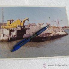 Fotografía antigua: FOTOGRAFIA DE LA CARRETILLA ELEVADORA FORK - LFT - DRACLAPP 14 - ASTILLEROS DE SEVILLA. Lote 29015209