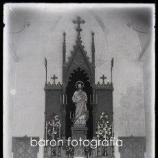 Fotografía antigua: ALTAR POR IDENTIFICAR, CATALUÑA, 1900'S. CRISTAL NEGATIVO 13X18 CM.. Lote 29381314