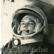 Fotografía antigua: GAGARIN (RUSIA).- PRIMER ASTRONAUTA EN REALIZAR UN VIAJE ESPACIAL (12.4.1961) VER FOTOGRAFÍAS ANEXAS. Lote 30216523