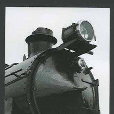 Fotografía antigua: TREN. MÁQUINA DE VAPOR. VILANOVA I GELTRÚ-10 C. 1965. Lote 30939732