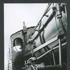 Fotografía antigua: HISTÓRIA DEL FERROCARRIL. MÁQUINA DE VAPOR. VILANOVA I LA GELTRÚ. C 1965.. Lote 30940232