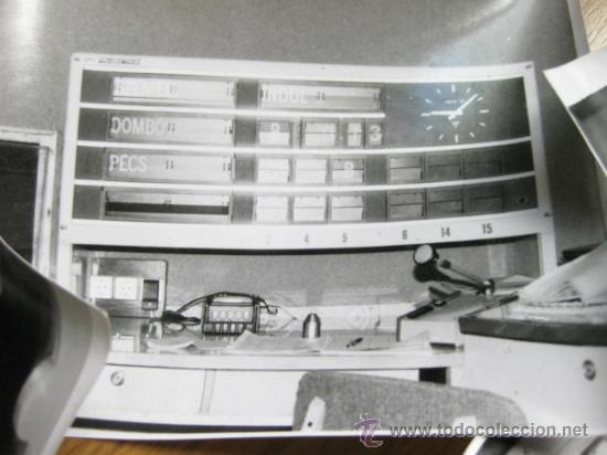 Fotografía antigua: FOTOGRAFIAS DE UN MECANISMO DE INDICACION DE ESTACION DE TREN O AUTOBUS - Foto 3 - 31278932