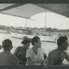 Fotografía antigua: IBIZA. MAR. BARCA.TURISTAS. PASEO POR LA COSTA-3. C. 1963. Lote 31714256
