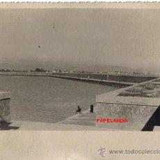 Fotografía antigua: FOTOGRAFIA BURRIANA, CASTELLON.DIQUE DE LEVANTE, VISTA TOMADA DESDE EL MORRO. . Lote 31984170