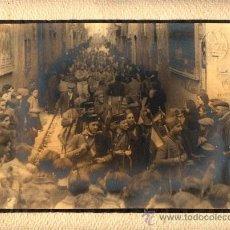 Fotografía antigua: GUERRA CIVIL. FOTOGRAFIA DE PROCOPIO LLUCIÁ. ENTRADA DE LAS TROPAS . Lote 32119691