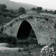 Fotografía antigua: MATARRAÑA. BECEITE. CALACEITE. BONITO PAISAJE Y PUENTE ANTIGUO.TERUEL. C. 1965. Lote 32224408