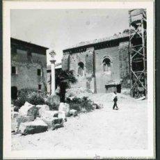 Fotografía antigua: SIGENA. HUESCA. MONASTERIO. ALREDEDORES. C. 1965. Lote 32437477