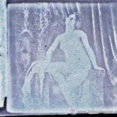 Fotografía antigua: DESNUDO FEMENINO. NEGATIVO CRISTAL. GELATINOBROMURO.. Lote 32617364