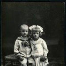 Fotografía antigua: NIÑOS. F: J. E. PUIG. BARCELONA. C.1900. Lote 35235460