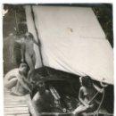 Fotografía antigua: NATURISMO - NUDISMO ALEMÁN, DESNUDO FAMILIAR EN LA BARCA, 1920'S. SIN DATOS RVERSOS. Lote 37543566