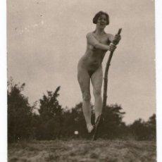 Fotografía antigua: NUDISMO - NATURISMO ALEMÁN. DESNUDO FEMENINO, 1920'S. FOTO: MAX MÜLLER 8,5X8 CM. Lote 37543660