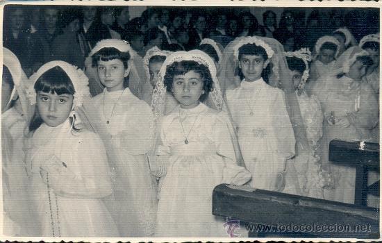 FOTO DE COMUNIÓN DE NIÑAS. AÑOS 50. FOTO BERNAL DE CEUTA. (Fotografía Antigua - Gelatinobromuro)