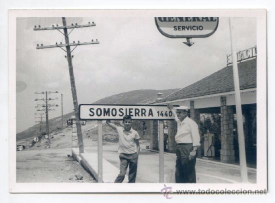 ESTACIÓN DE SERVICIO GASOLINERA DEL PUERTO DE SOMOSIERRA JULIO DE 1964 10,5 X 7,5 CMS (Fotografía Antigua - Gelatinobromuro)