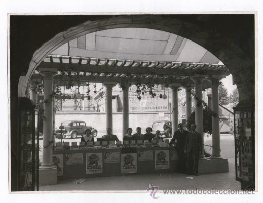PERFUMERÍA NACIONAL, BARCELONA, EXPOSICIÓN. FOTO: COLOMÉ, BARCELONA. 18X24 CM. (Fotografía Antigua - Gelatinobromuro)