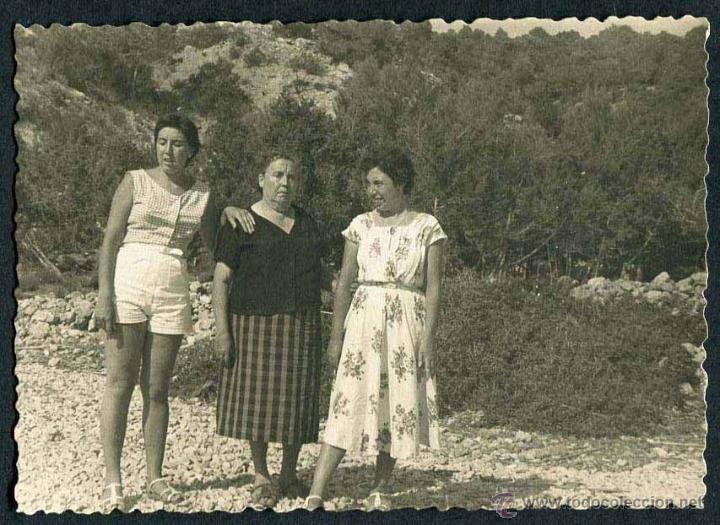 IBIZA. TURISTAS. PAISAJE. C. 1955 (Fotografía Antigua - Gelatinobromuro)