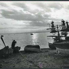 Fotografía antigua: MARINA. PLAYA. BARCAS. PESCA. C. 1950. Lote 40403178