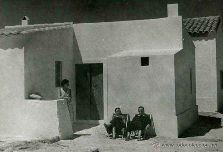 IBIZA. TURISMO. CASA TÍPICA Y TURISTAS. C. 1950 (Fotografía Antigua - Gelatinobromuro)