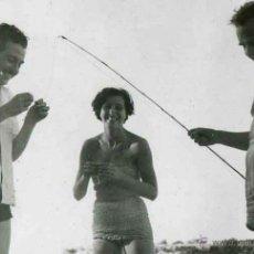 Fotografía antigua: IBIZA. TURISMO. ARTES DE PESCA. C. 1950. Lote 40939648